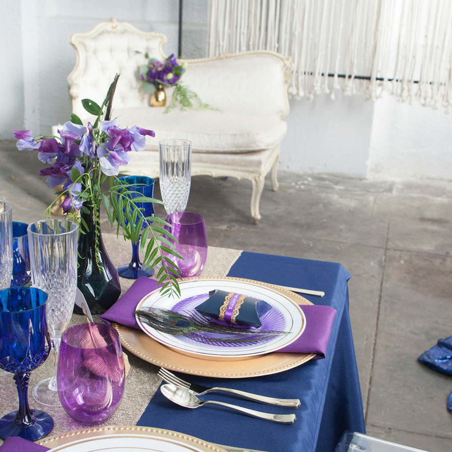 Elegant Navy and Purple Wedding Table Ideas