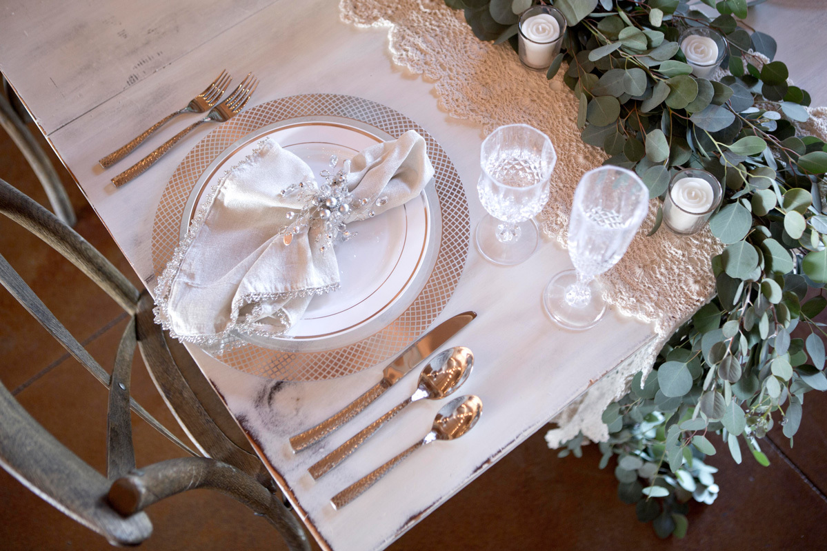 ... Bride And Groom Reception Table Wedding Place Setting