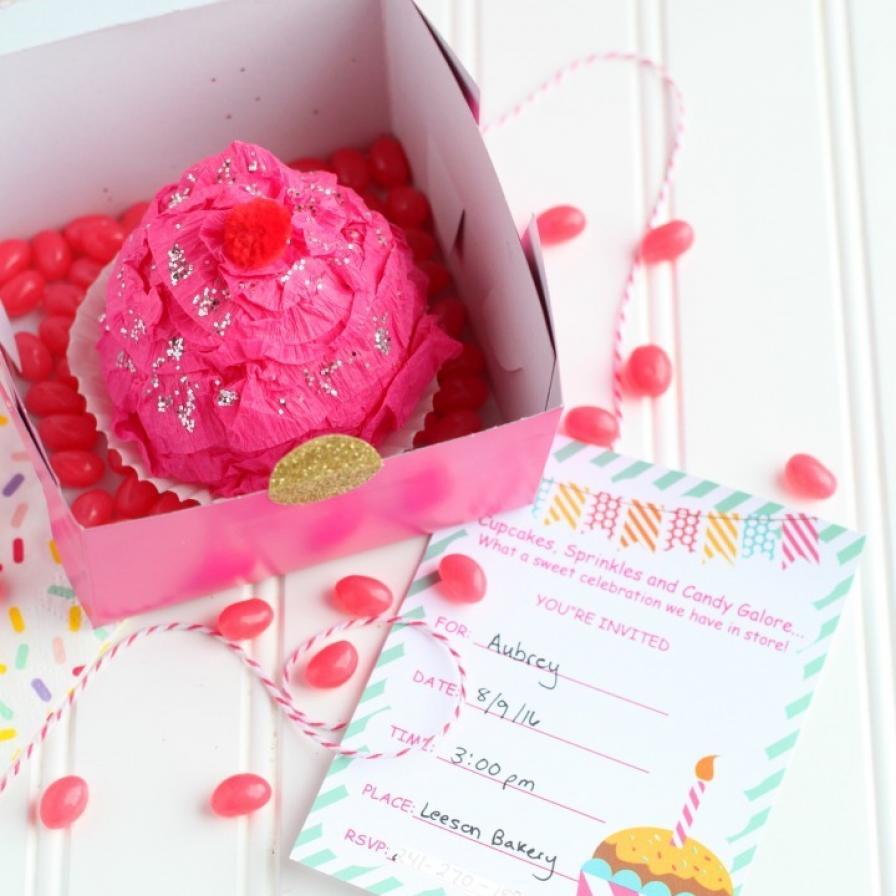 DIY Cupcake Invitations