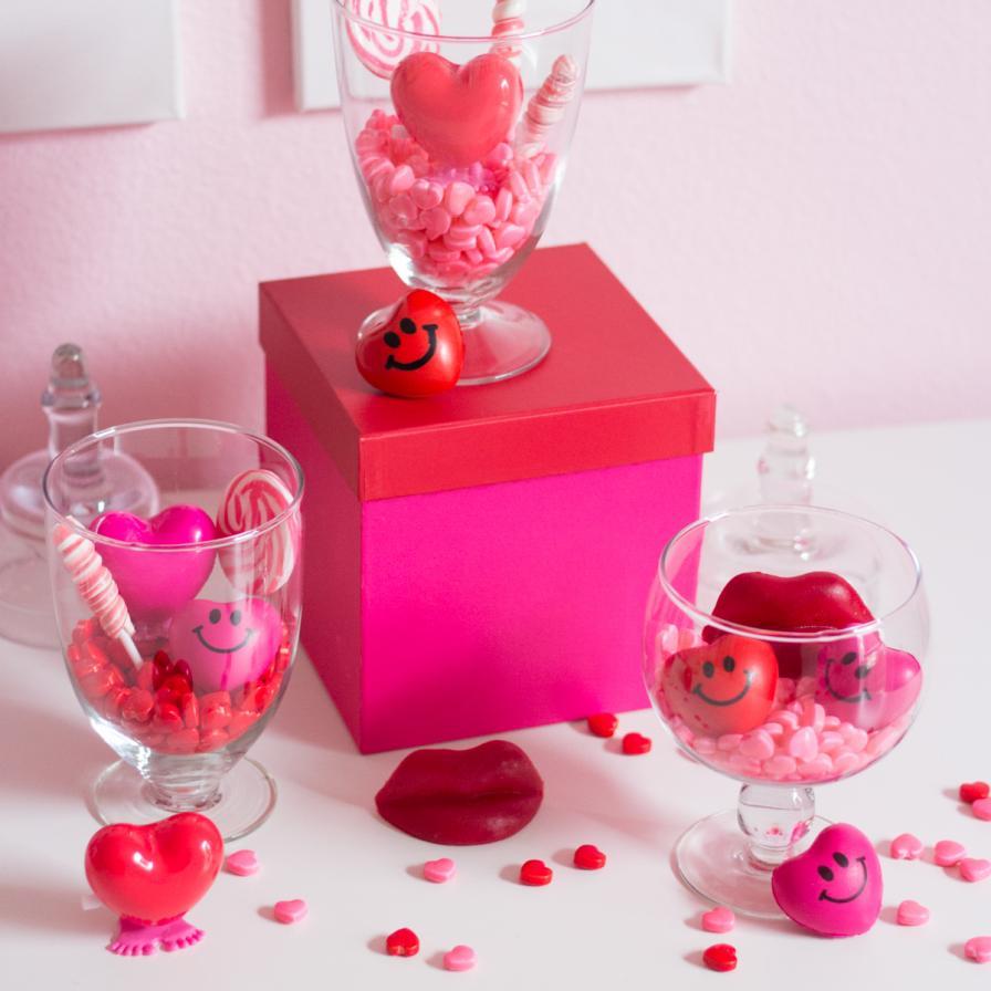 Hot Pink Swirl Lollipops