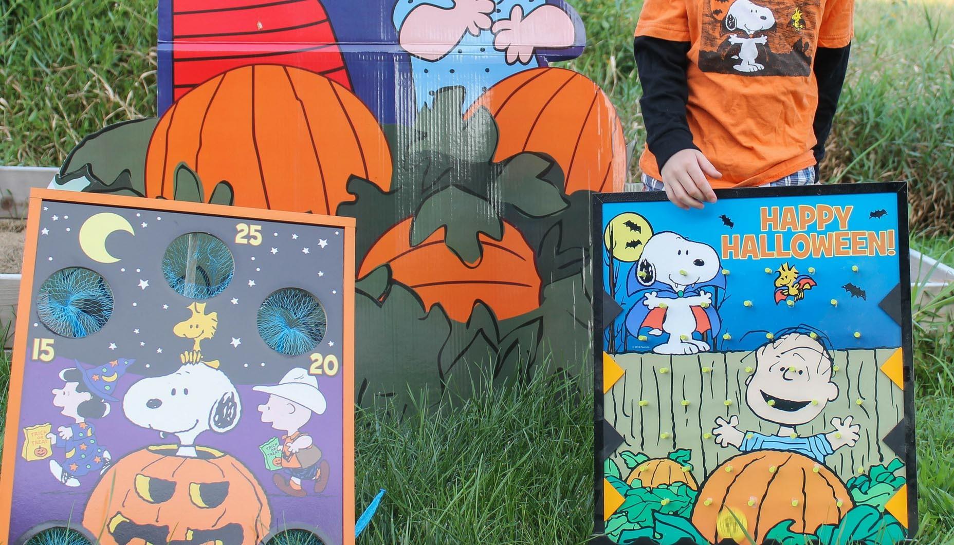 Charlie Brown Halloween Door Decorations  from cl-drupal.orientaltrading.com
