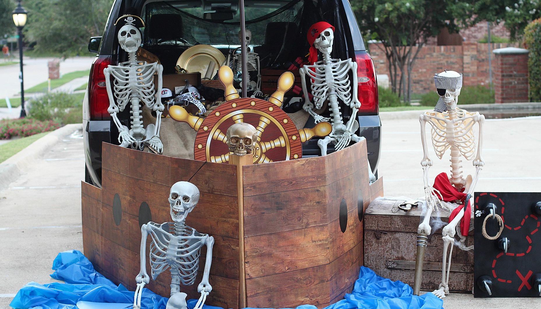 Pirate Ship Trunk or Treat Idea