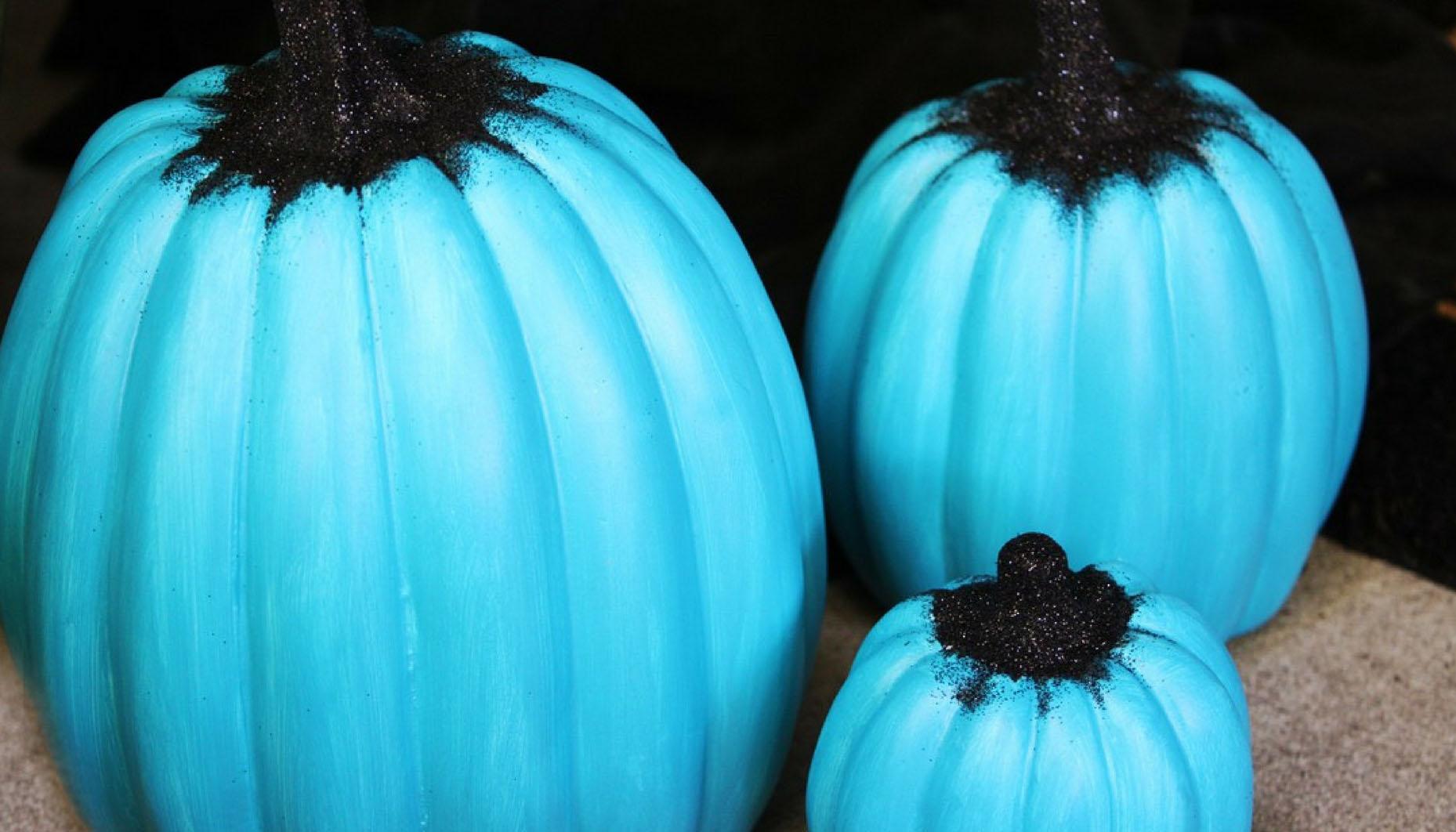 Teal Pumpkin Porch Scene Ideas Fun365