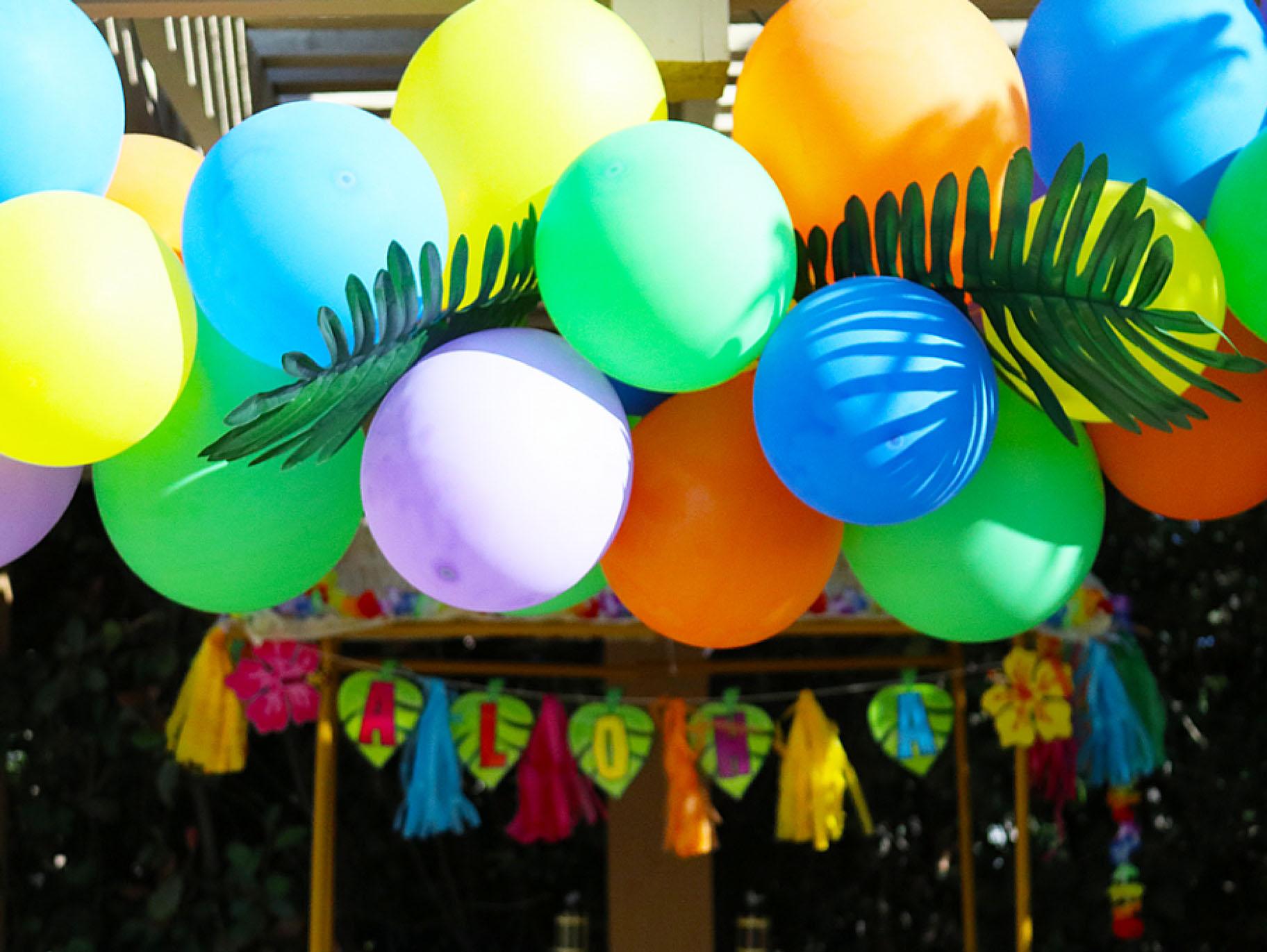 Diy Tropical Balloon Garland Fun365