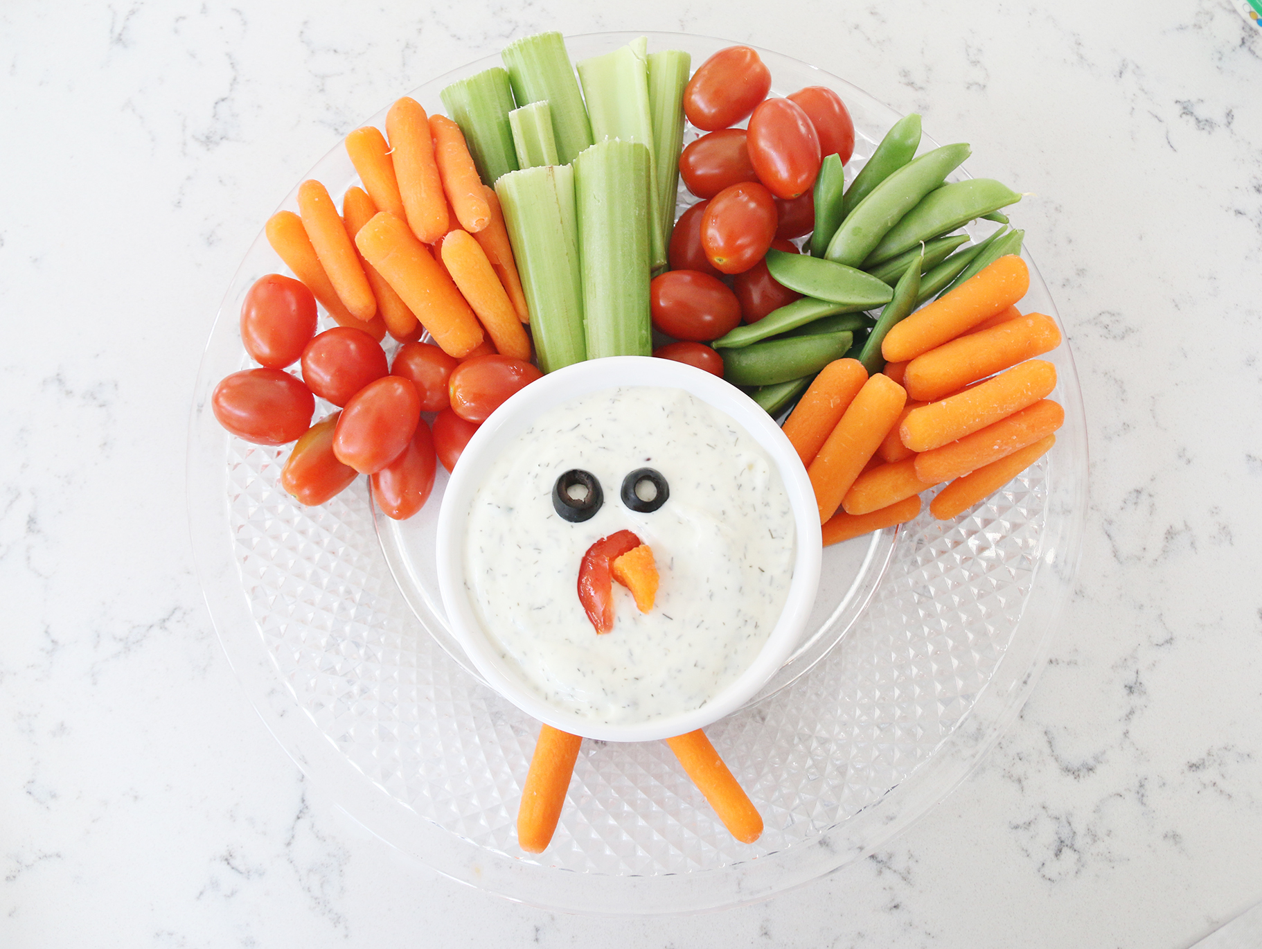 Turkey Veggie Tray With Homemade Dip Fun365