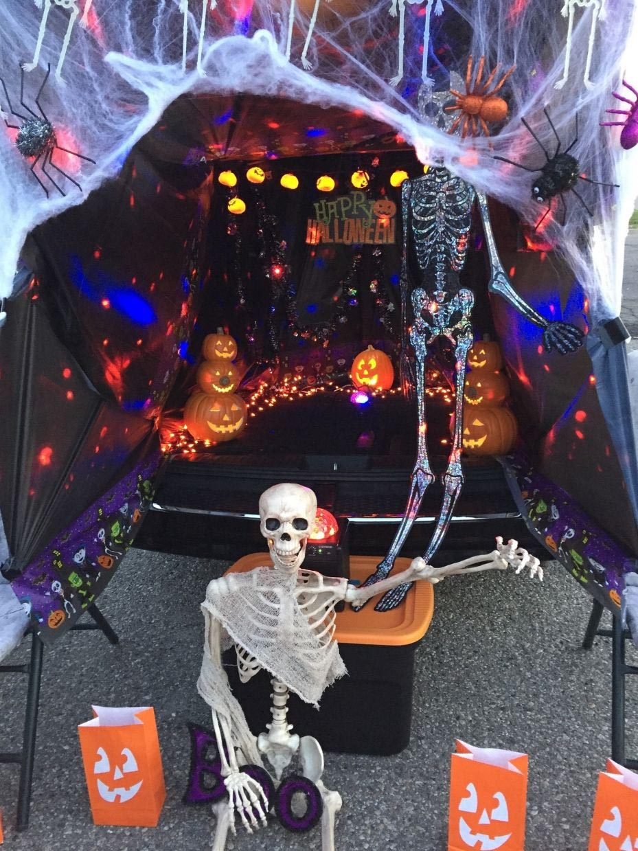 25+ Trunk or Treat Decorating Ideas  Fun25