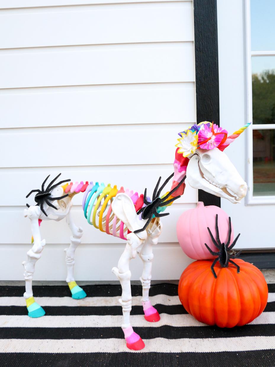 75 Frighteningly Fun Skeleton Decoration Ideas Fun365