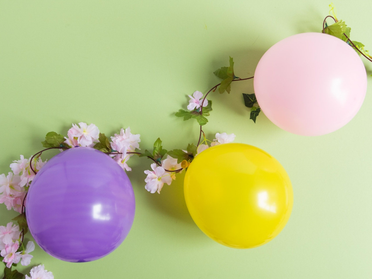 Easter Bunny Balloon Garland Fun365
